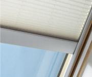 天窓に取り付けるブラインド、プリーツ