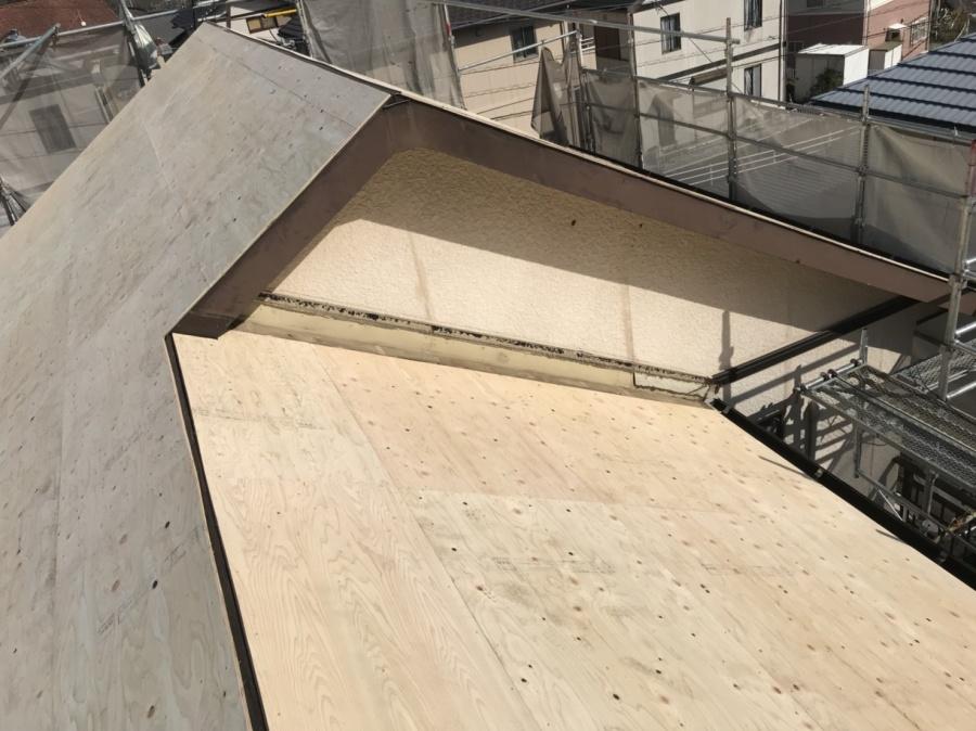 屋根葺き替え工事 下地工事 コンパネ貼り