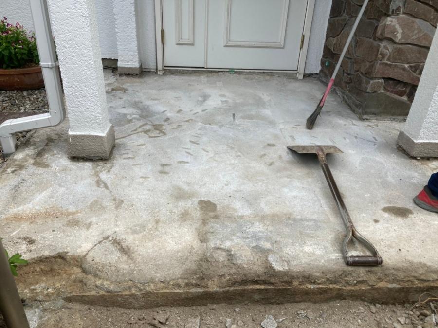 続き!地震で歪んだ玄関ポーチタイルの張替工事完了! 刈谷市