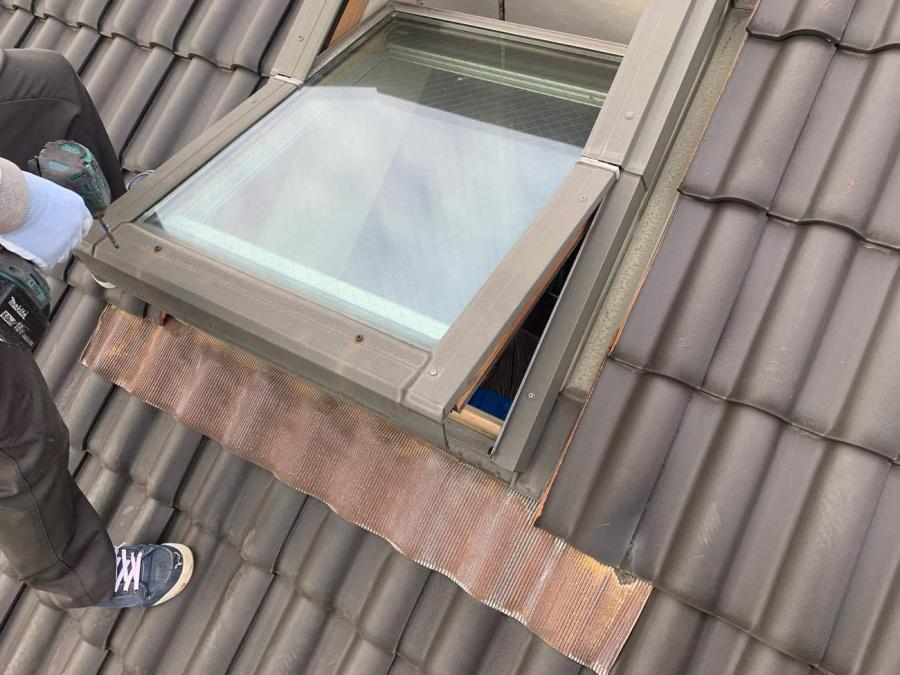 経年劣化によって天窓からの雨漏りが発生!天窓交換工事 岡崎市