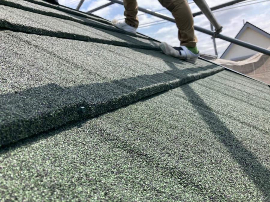 屋根葺き替え工事 屋根材葺き