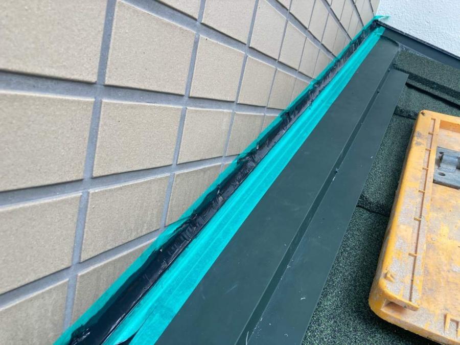 雨押えシーリング 塗り