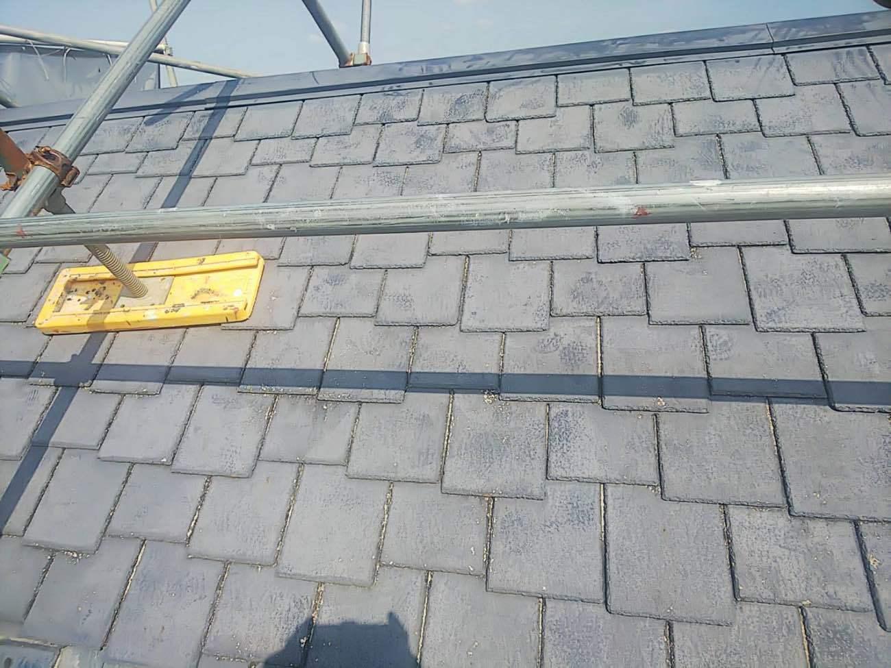 みよし市にてスレートから板金への屋根の葺き替え工事がスタート
