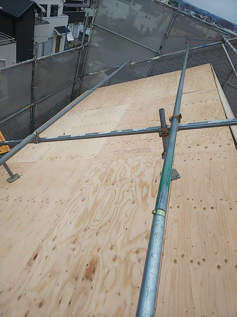 みよし市にて下地増し張りから板金屋根へ葺き替え工事が完了!!