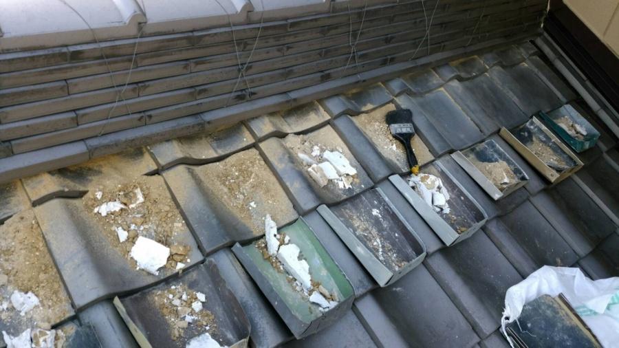 漆喰工事 雨漏り 剥離 劣化 屋根 瓦