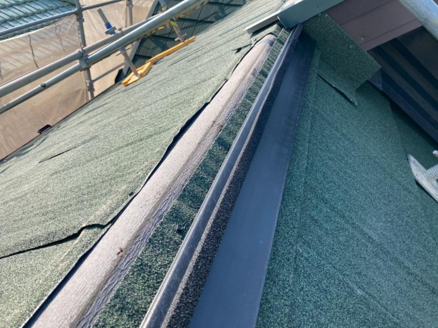 屋根葺き替え工事 棟取り付け