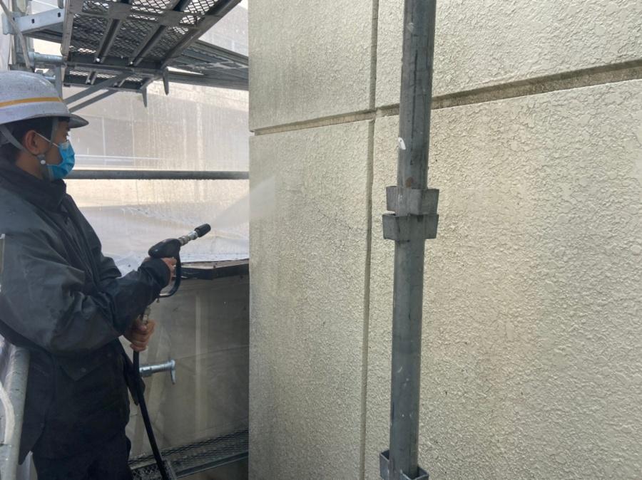 名古屋市緑区で経年の劣化によって褪色した外壁の塗装工事!!!