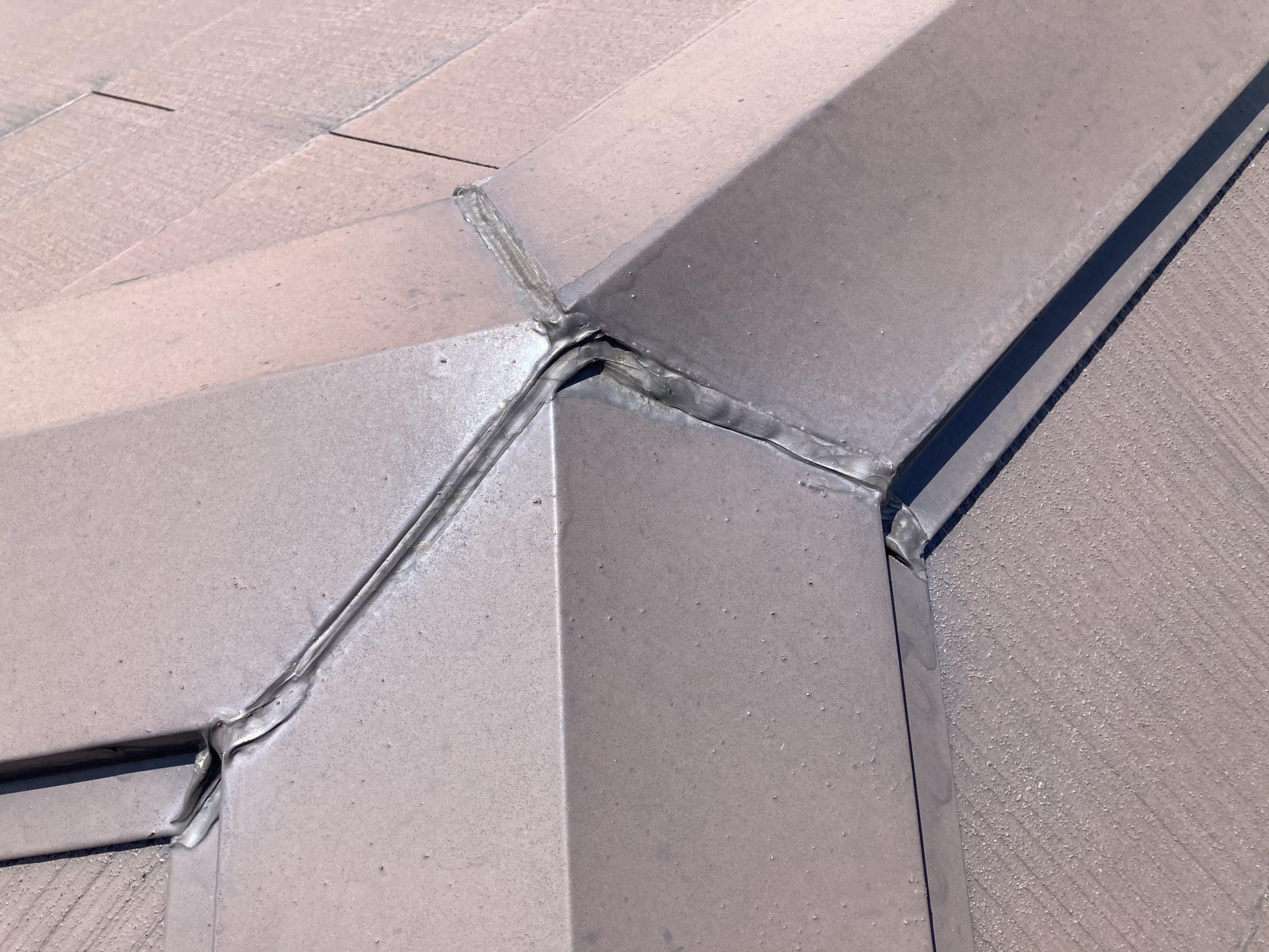 スレート屋根 棟板金 2