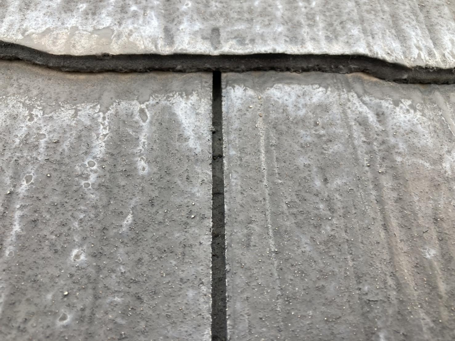 スレート屋根 隙間