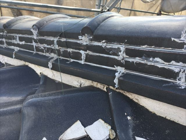 瓦屋根の雨漏れ原因|棟の取直し工事|守山区