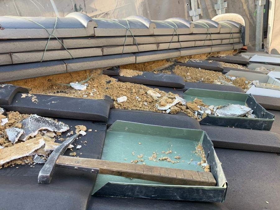 豊田市で剥離のあった漆喰を撤去し詰め直し工事を行いました。
