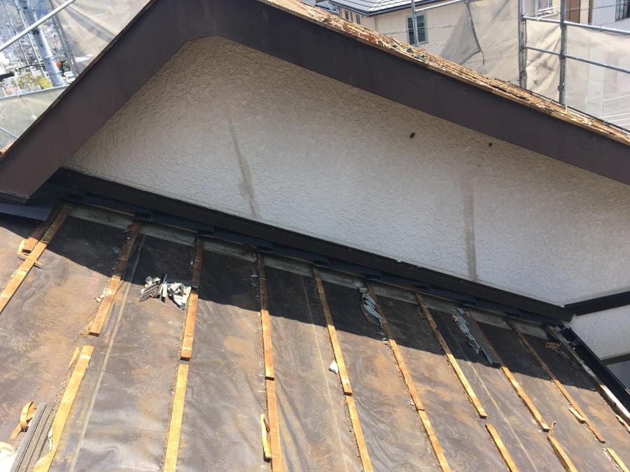 豊田市でメンテナンス不要な屋根材で葺き替え工事