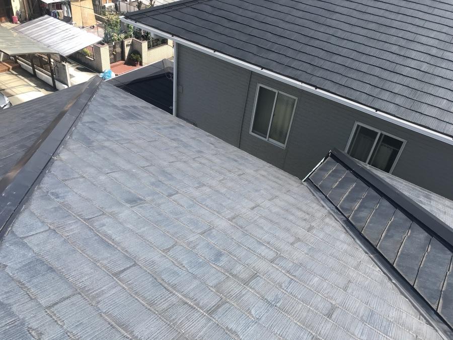 安城市で屋根の塗装工事がスタートし下塗りを行ってきました。