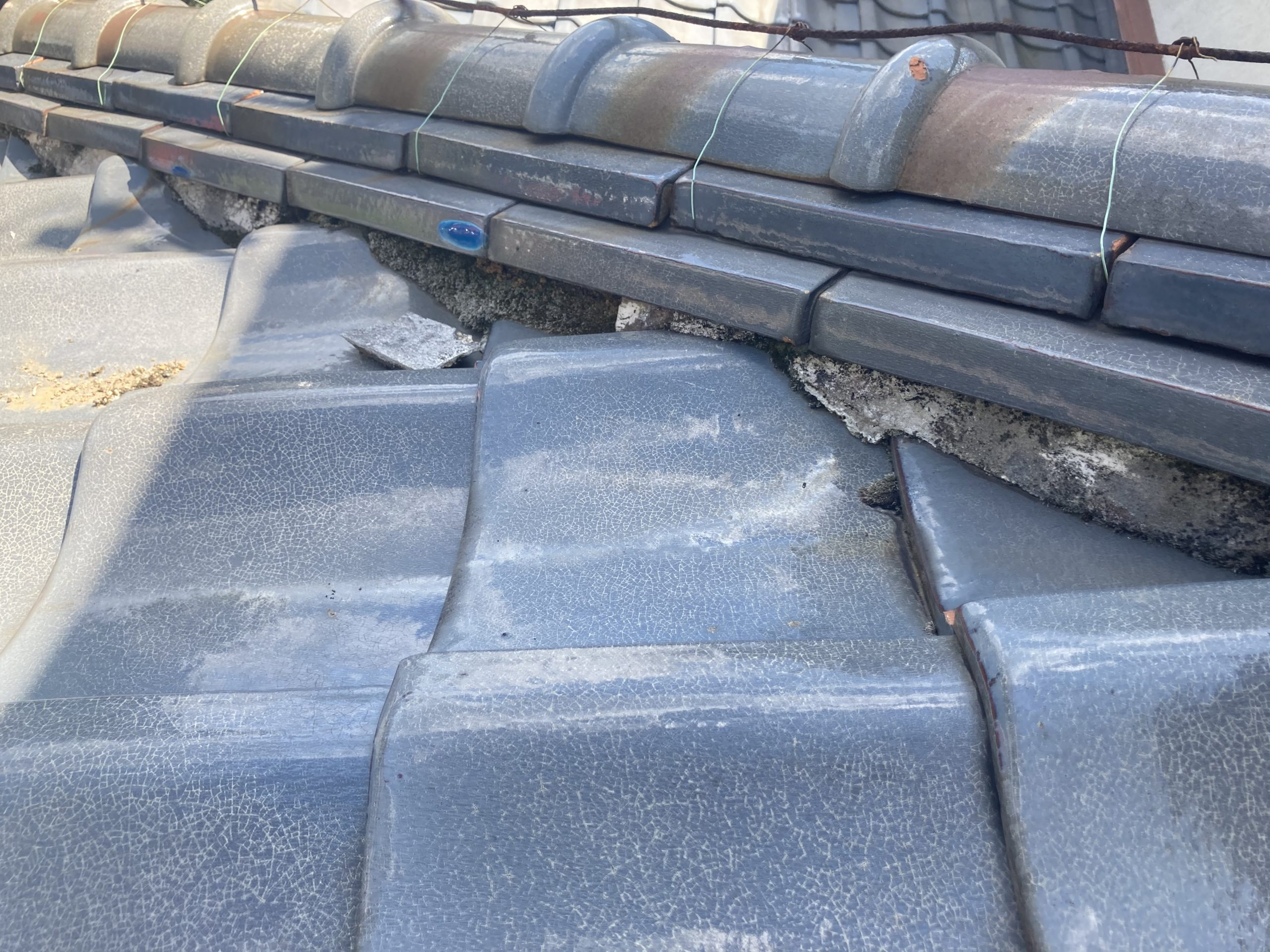 安城市で瓦屋根の点検!漆喰の剥離等放置しておくと危険です