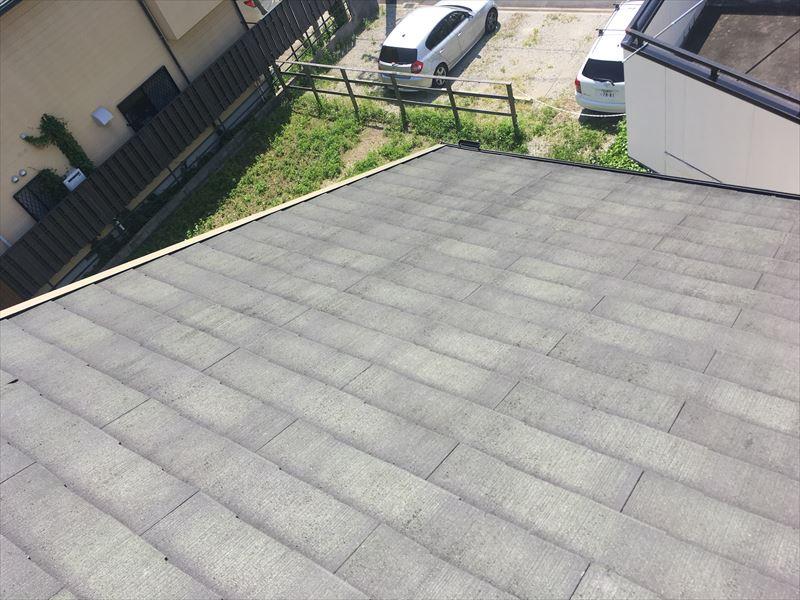 スレート屋根 褪色 カビ カバー工法