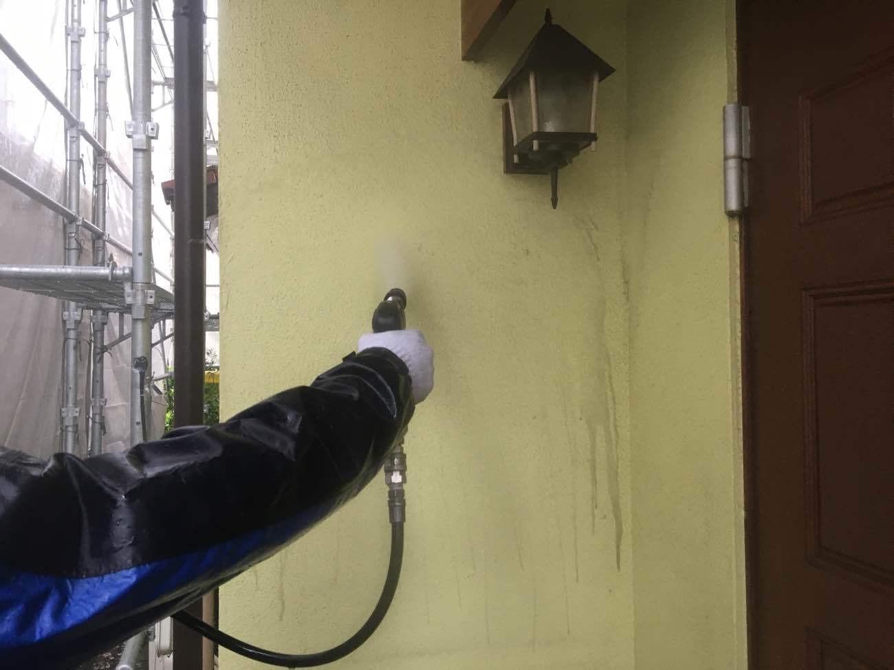 刈谷市にてシリコン塗料を使った外壁塗装がスタート