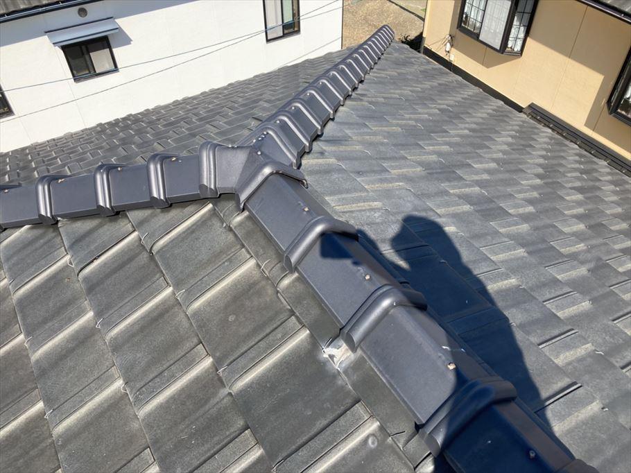 豊明市にて平板瓦の屋根の定期点検を行いました。